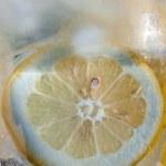 Lemon in Ice water — Stock Photo