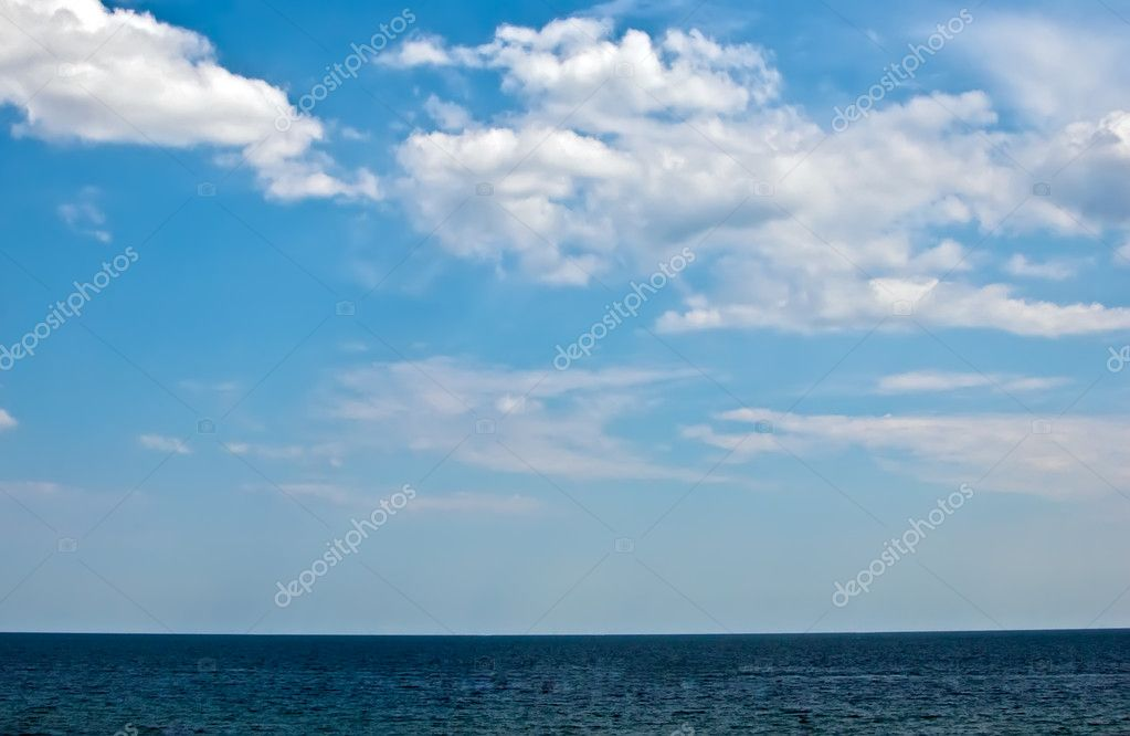 Beautiful sea and clouds sky . — Photo #6507736