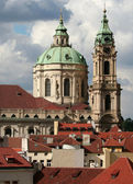 Splendid baroque church of Saint Nicolas, Prague, Czech republic — Stock Photo