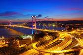 Цин Ма мост в Гонконге в ночное время — Стоковое фото