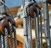Antiguo velero de madera envejecida rigs — Foto de Stock