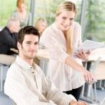 empresários de estudante com reunião no escritório — Foto Stock