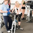 Fitness young girls at gym with instructor — Stockfoto