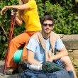 Hiking young couple backpack relax sunny day — Stock Photo #6138775
