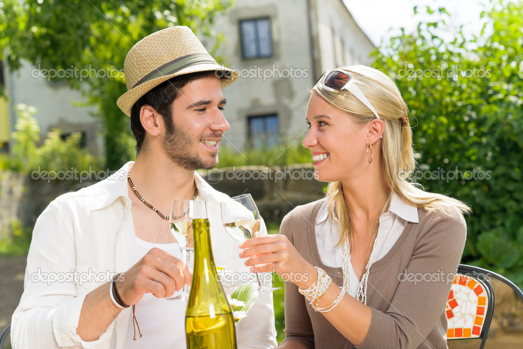 Italian restaurant terrace elegant couple celebrate drink wine summer day — Stock Photo #6138789