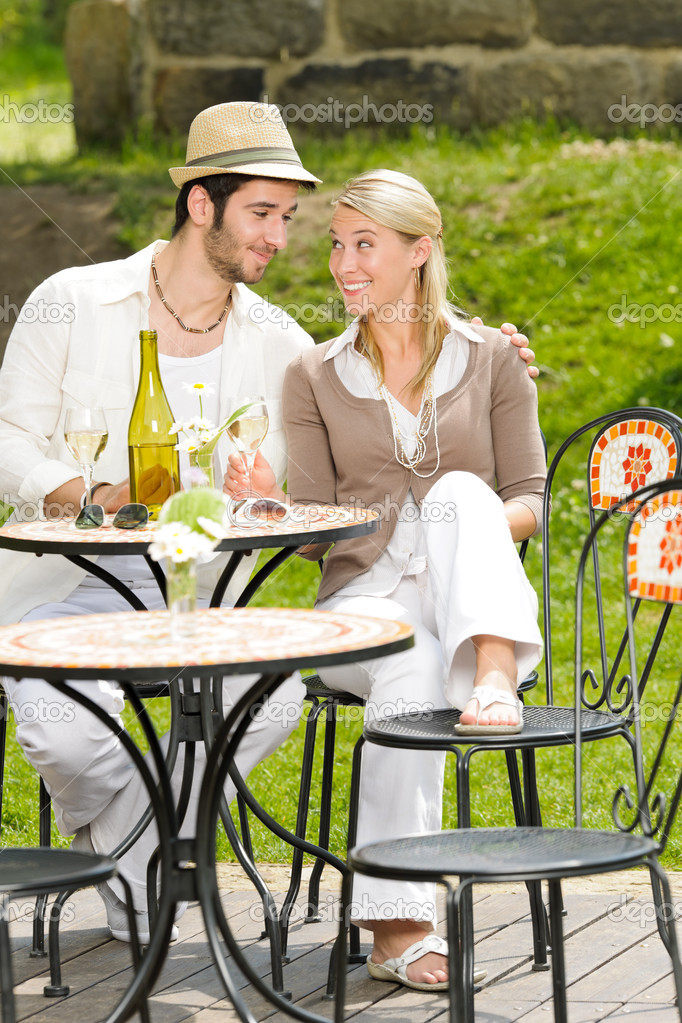 Italian restaurant terrace elegant couple celebrate drink wine summer day — Stock Photo #6138798