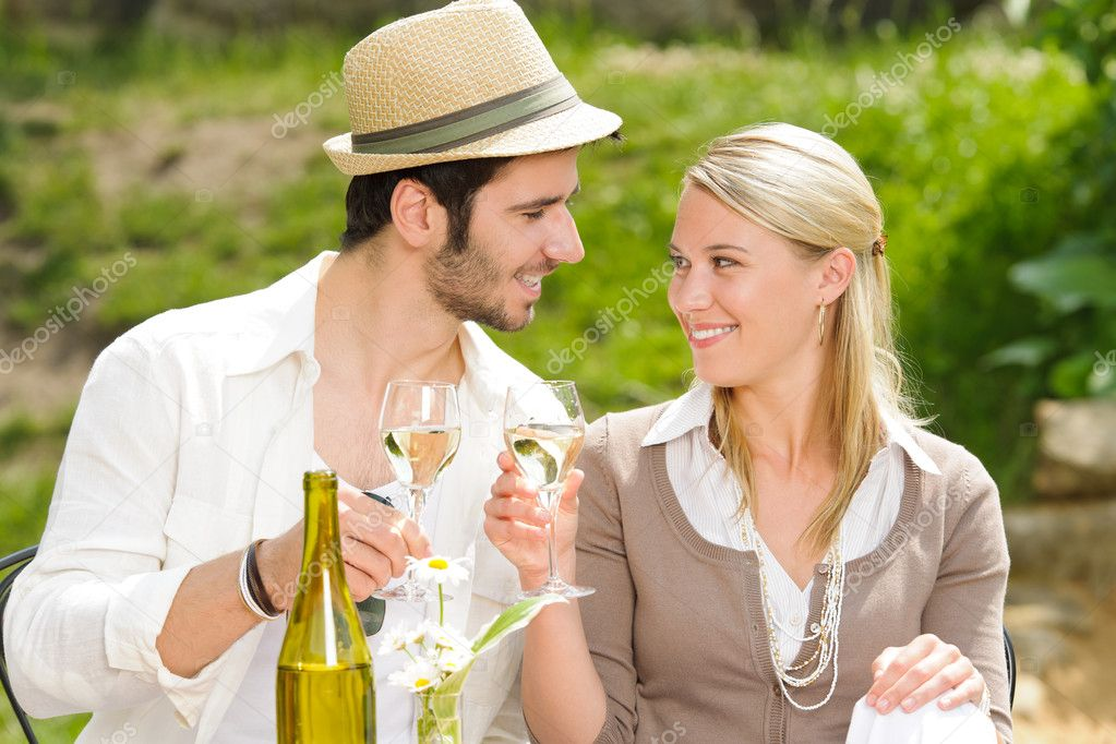 Italian restaurant terrace elegant couple celebrate drink wine summer day — Stock fotografie #6138804