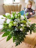 Figlio di soggiorno salotto fiori — Foto Stock