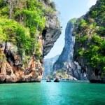 Rocks and sea in Krabi Thsiland — Stock Photo