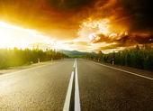 Estrada nas montanhas — Fotografia Stock