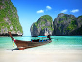 Phi Phi island Maya bay — Stock Photo