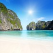 Moning in Maya bay Phi phi leh island Thailand — Stock Photo #6142637
