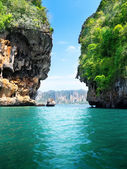 Rocks and sea in Krabi Thsiland — 图库照片