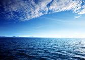 Karayip denizi ve mükemmel gökyüzü — Stok fotoğraf