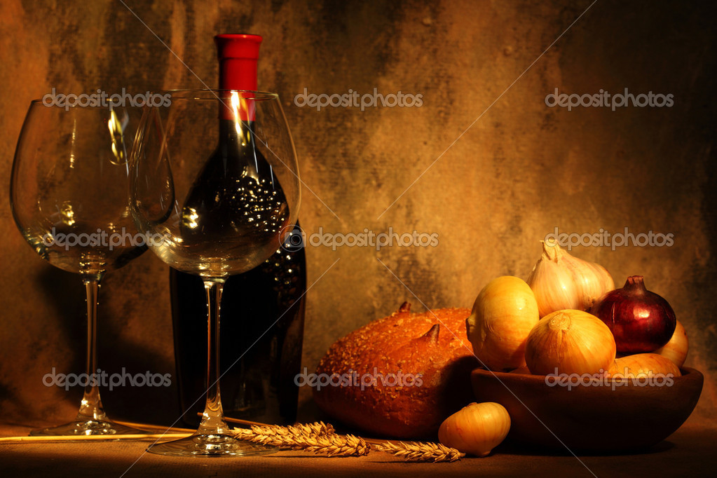 Wine,two goblets and products on gray background — Stock Photo #5767841