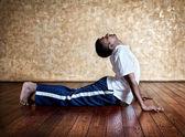 Yoga bhudjangasana cobra pose — Stock Photo