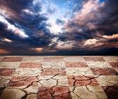 Terre de sécheresse avec texture bureau d'échecs — Photo