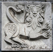 Old bas-relief of fairytale animal — 图库照片
