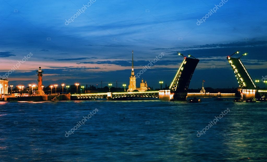 White nights. View of Neva river and raised Palace Bridge in St.Petersburg, Russia.  — Stock Photo #6183250