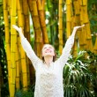 Enjoying the nature. Beauty woman arms raised enjoying the fresh — Stock Photo