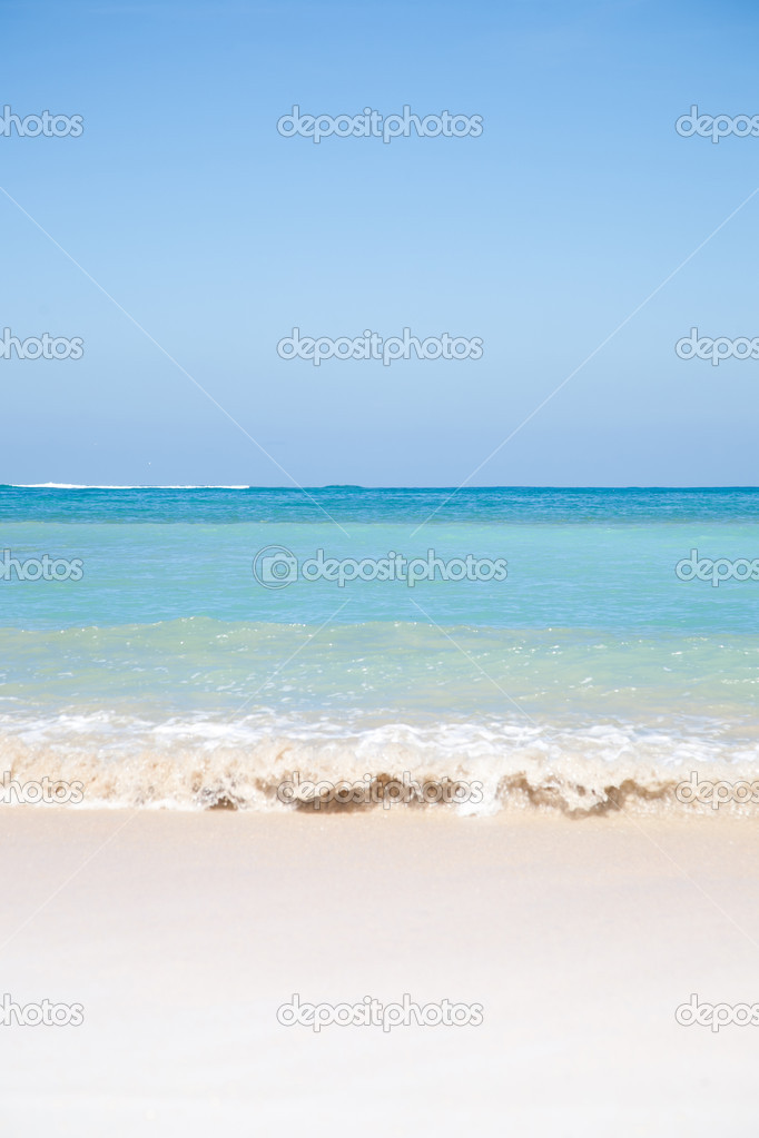 Summer beach background with clean sand and blue sky   Stock Photo #6122190