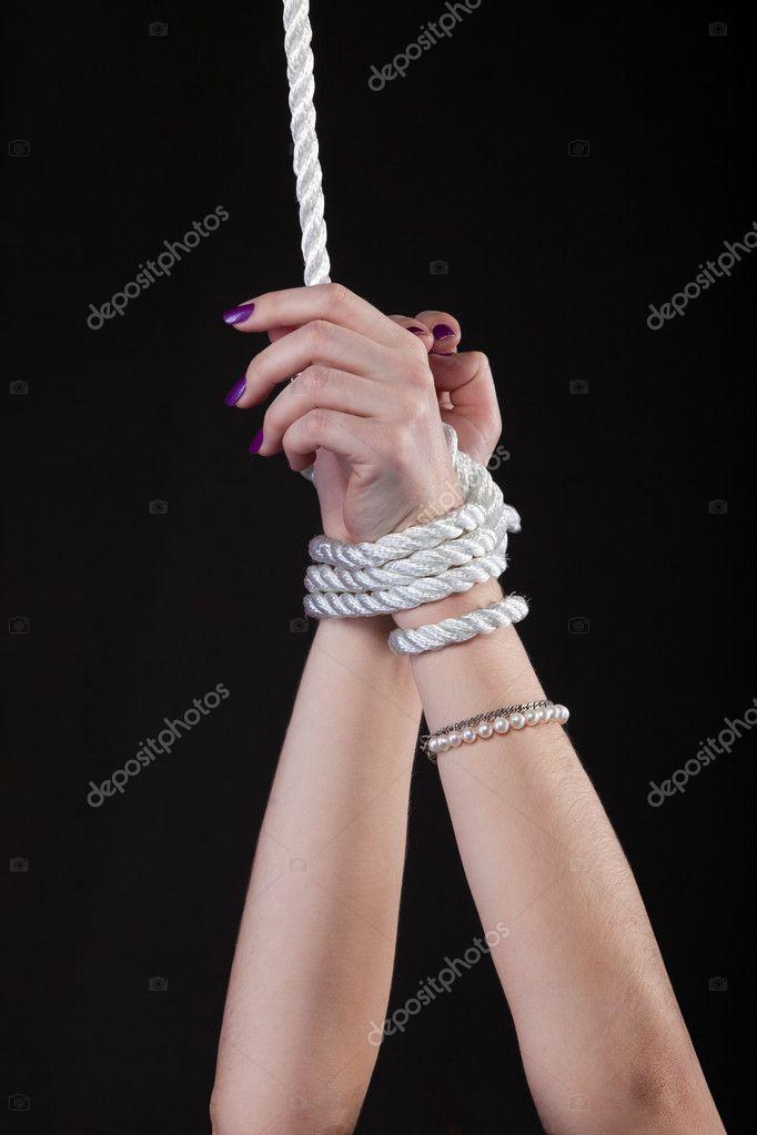 Связать веревкой женщину 18 фотография