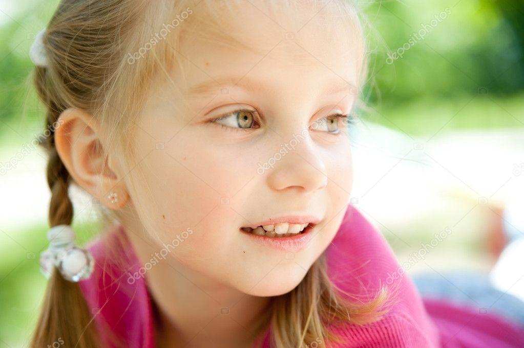 Little girl smiling — Stock Photo © GekaSkr 5799953