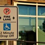 Fire lane keep clear — Stock Photo