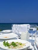 Gourme almuerzo en la costa mediterránea — Foto de Stock