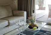 Romantyczną atmosferę w luksusowym pokoju. — Zdjęcie stockowe
