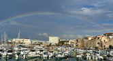 The rainbow over the marina. Iraklion. — 图库照片