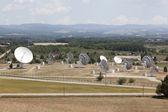 Radia anteny dania w południowej francji — Zdjęcie stockowe