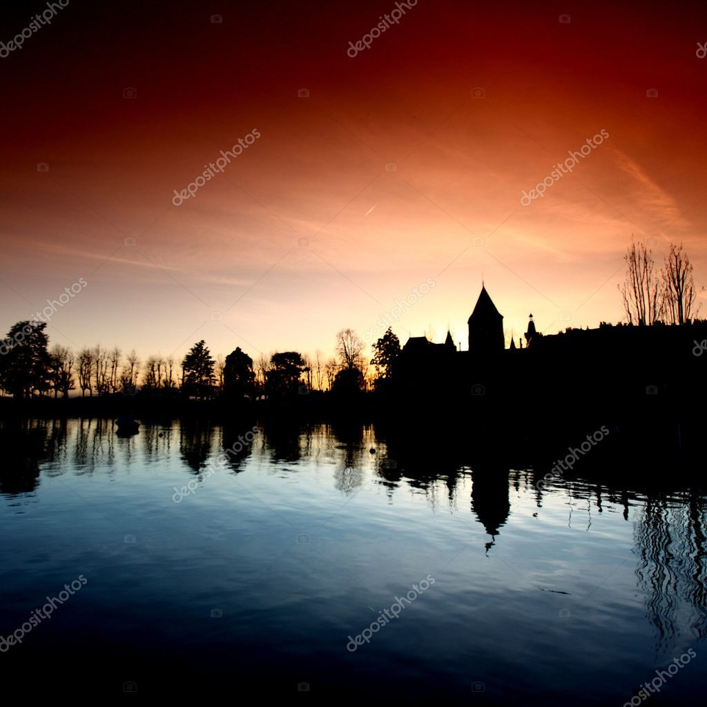 Lake of geneva landscape on sunrise — Stock Photo #6728144