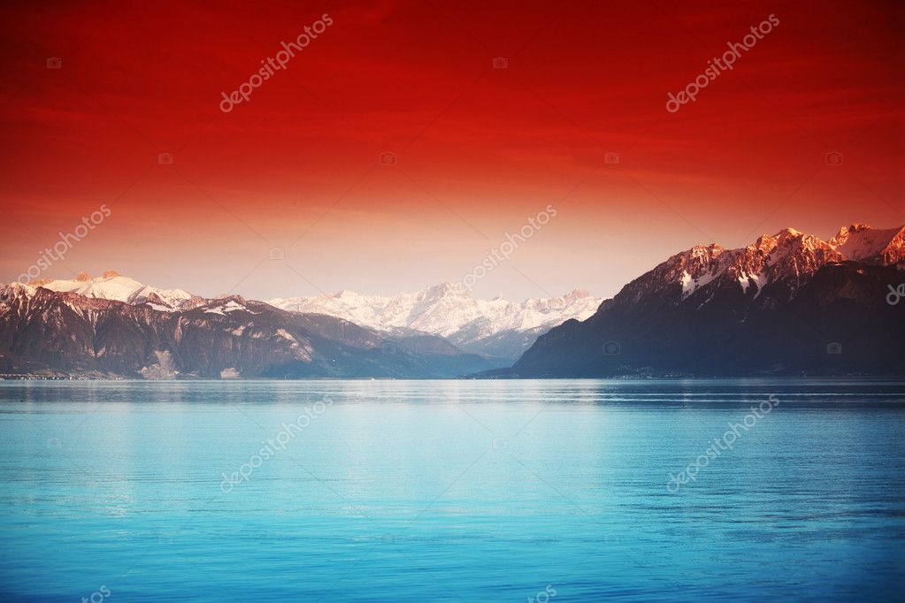 Yacht in lake of geneva landscape on sunrise — Stock Photo #6728189