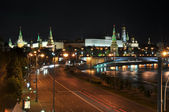 Night view to the Moscow Kremlin from the Patriarchal bridge. Moscow. Russi — Stock Photo