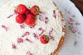 Sponge cake with strawberry cream. — Stock Photo