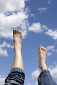 Prawą nogę do przodu lub w górę. — Zdjęcie stockowe