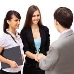 aantrekkelijke man en vrouw zakelijke team handen schudden op kantoorgebouw — Stockfoto