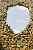 Wall ruins background and sky — Stock Photo