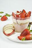 Crumble aux fraises — Stock Photo