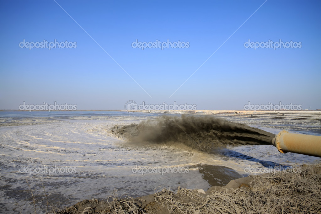 Blowing sand made land engineering by the sea, northern china — Stock Photo #6250123