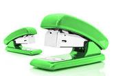 緑のステープラー — ストック写真
