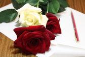 Růže s písmenem — Stock fotografie