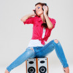 Bright girl with headphones — Stock Photo