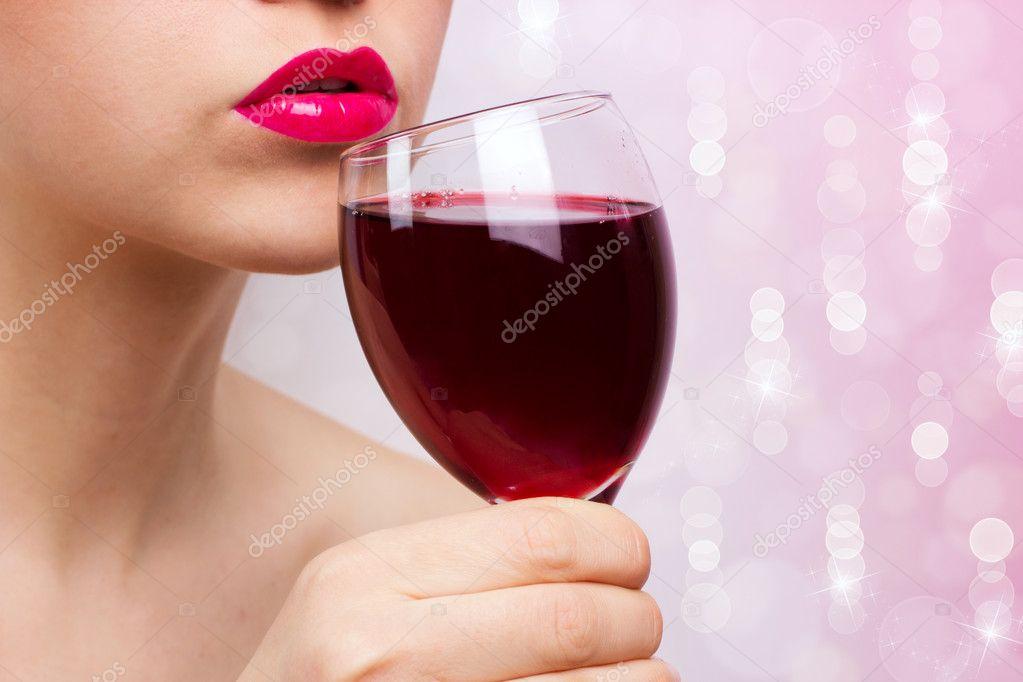 Женский алкоголизм молодеет