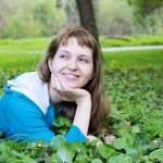 Beautiful smiling woman outdoor — Stock Photo