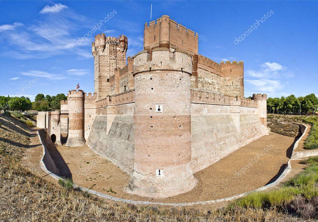 Стены средневековых замков