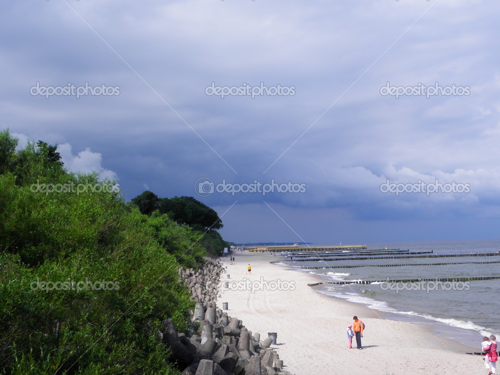 Baltic sea and part of beach, this sea is  in the Europe,  photo was taken in summer — Stock Photo #6523349