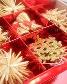 赤いボックスのクリスマスのおもちゃ. — ストック写真
