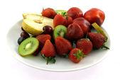 Fruit op een plaat — Stockfoto